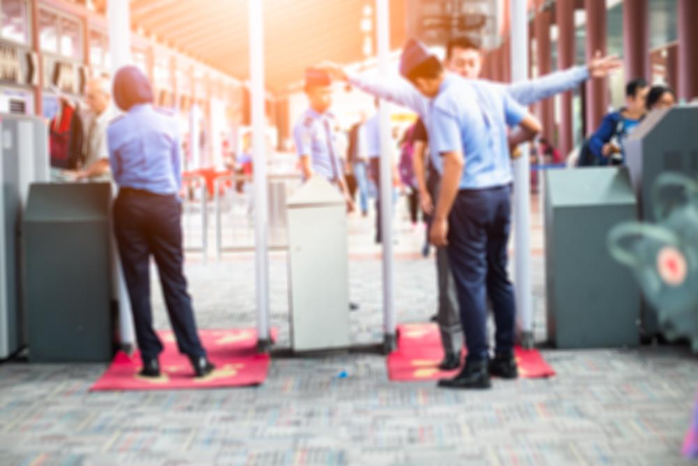 ทำไมสนามบินจึงต้องจ้างเจ้าหน้าที่รักษาความปลอดภัยจำนวนมาก
